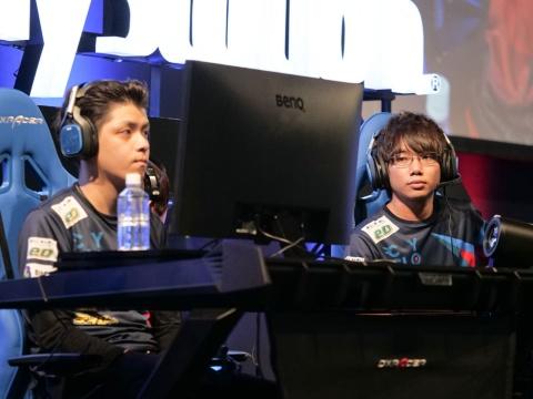 CYCLOPS athlete gaming。左がNicochaaaaaaaann選手、右がNgt選手。個人技では定評のある二人だが、惜しくもRush Gamingに敗退してしまった