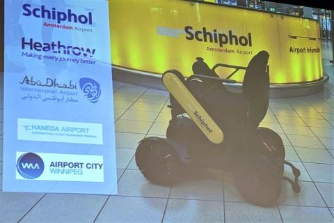 WHILLの電動車椅子はスタイリッシュなことでも注目されている