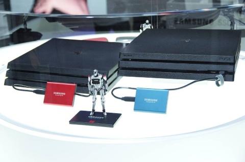 サムスンブースでは、高速なSSD製品を数多く展示。コンシューマーゲーム機やゲーミングPCでの利用を前提としている