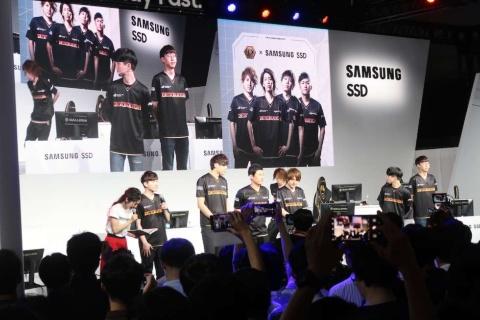 一般公開日のSamsung SSDステージは、最初から最後までDeToNator
