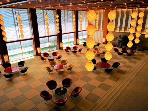 建て替え前の特徴あるロビーが再現された「The Okura Tokyo」
