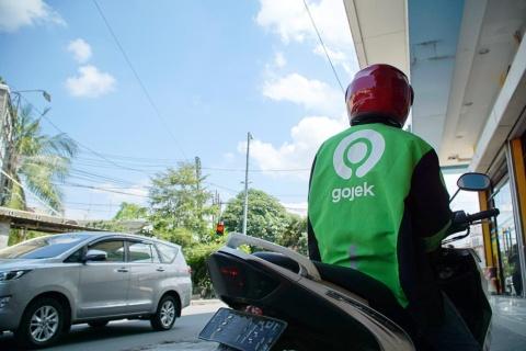 インドネシアでゴジェックが展開しているバイクの配車サービス(写真/Shutterstock)