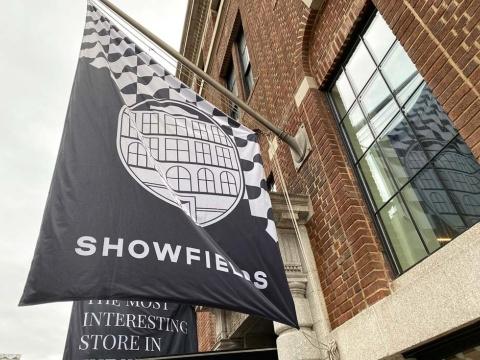 「NRF 2020: Retail's Big Show & Expo」の開催前日、D2C(ダイレクト・トゥ・コンシューマー)の百貨店とも称される「SHOWFIELDS」には多くの小売り関係者が訪れていた。ニューヨークで注目の店舗の1つだ