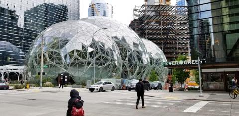 デンソーはアマゾンの本社近くにシアトルの研究開発拠点を開いた。MaaS(モビリティ・アズ・ア・サービス)などのプラットフォーム開発に取り組んでいる