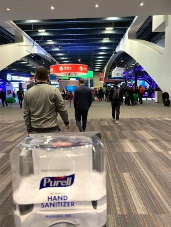 RSA Conference 2020の会場。各所に消毒用のジェルが設置されていた