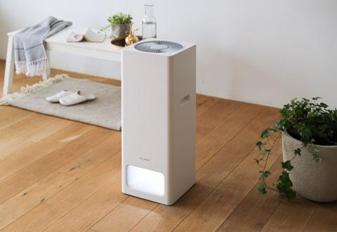 19年2月に発表された空気清浄機「BALMUDA The Pure」。価格は5万7200円(税込み)