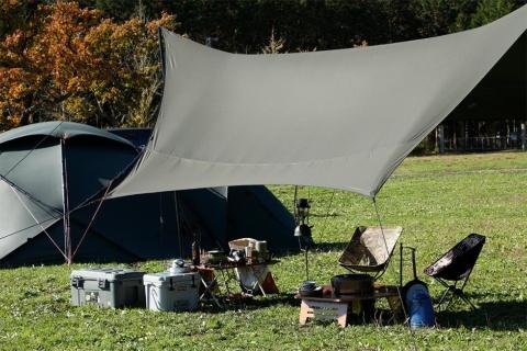 幕男の「みどり」は、スウェーデン発の人気ブランド・ヒルバーグのテントとの組み合わせを想定して作られた