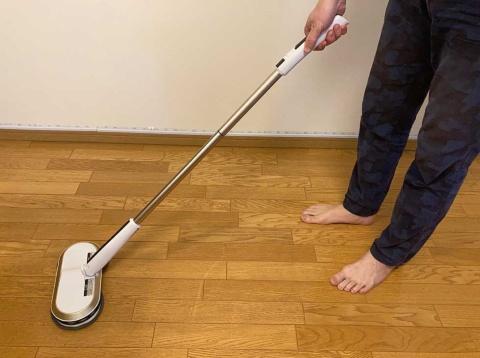 から拭き不要の洗剤などを使えば、10分程度で部屋中をきれいに水拭き掃除できるので、かなり手軽に感じた