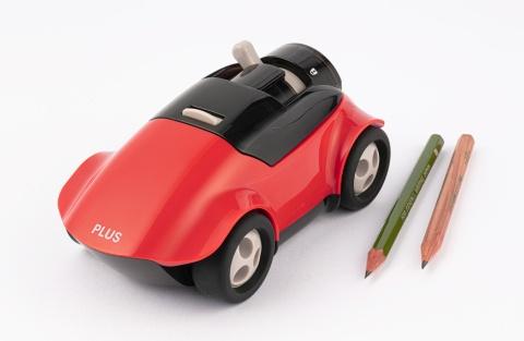 車を走らせることで鉛筆を削る、プラスの車型鉛筆削り「ハシレ!エンピツケズリ!」。実勢価格は2700円前後(税込み)