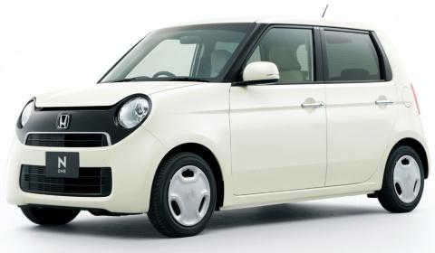 12年11月に発売された初代N-ONEもほぼ同じ形状。当時の価格は115万円(5%税込み)から