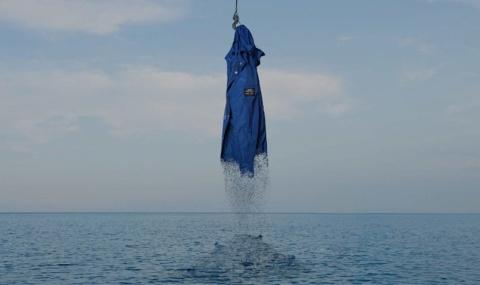 エコアルフは海洋ごみの回収・再生プロジェクトを展開。文字通り「ごみから服を作るブランド」だ