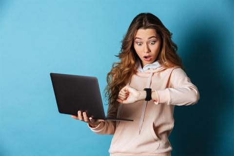 英語会議では、時間に追われて、思うような結果がでないこともある(画像/Shutterstock)