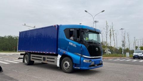 ファーウェイと比亜迪(BYD)、希迪智駕(CiDi)の3社により開発された自動運転物流トラックの様子(画像はファーウェイのニュースリリースより)