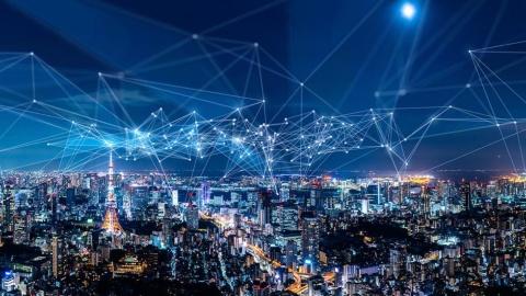 """""""爆速""""で進む東京都のDX。宮坂副知事は次に何を見据えているのか(写真/Shutterstock)"""