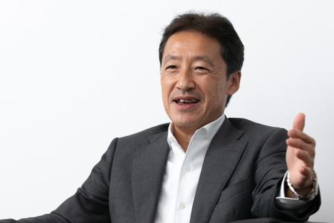 カインズの高家正行社長は三井銀行(現三井住友銀行)から米コンサルティングファームのA.T.カーニーに移って戦略コンサルタントとなり、45歳でミスミグループ本社の社長に。2016年にカインズに入社し、19年から現職