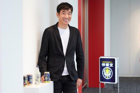 日本コカ・コーラ CMO(最高マーケティング責任者)和佐高志氏。1990年、プロクター・アンド・ギャンブル・ジャパン(P&G)入社。洗剤、ホームケア、紙製品、化粧品部門などのブランドマネジメントの要職を経て、2009年日本コカ・コーラ入社。13年に副社長。19年7月にCMOに就任