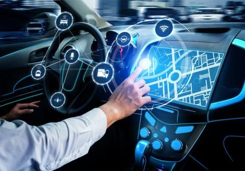 「単なる移動手段」から、「行き先を提案してくれるクルマ」へ。AIをきっかけとして、クルマの在り方を変えることができる(画像/Shutterstock)