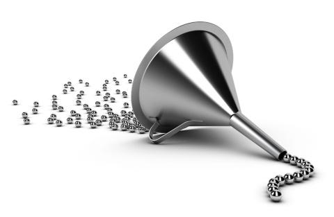 マーケティングファネルの図を活用することで、デジタル施策の弱点を見極めやすくなる(写真提供/Shutterstock)