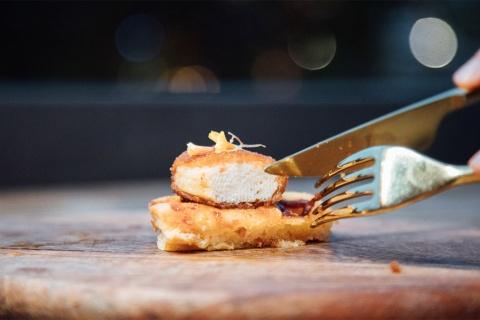 シンガポールで提供が始まったイート・ジャストの培養チキンナゲット(写真/イート・ジャスト)