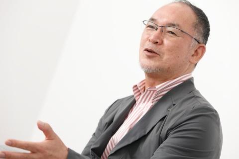 熱狂的なアウトドア愛好家としても知られる山井会長。その経験がモノ作りに生かされている