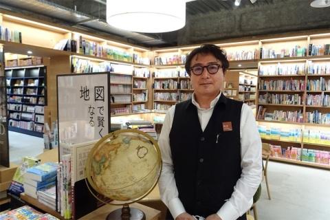 函館 蔦屋書店の「旅のコンシェルジュ」である坂本幹也氏