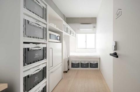 居室の様子。広さ4畳半のコンパクトな作り(写真/太田拓実)