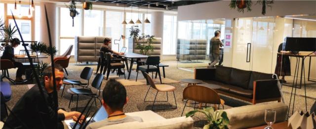新デザイン拠点「Panasonic Design Kyoto」は6フロアからなる。写真は8階のミーティングスペース「HUB」