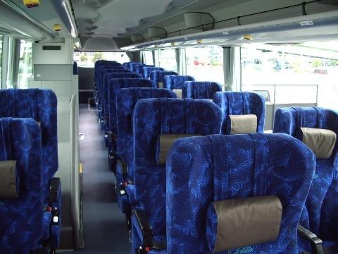 北陸ドリーム四国号で使うのは3列シート車。座席が少なく快適性が高いぶん、単価は上げやすい