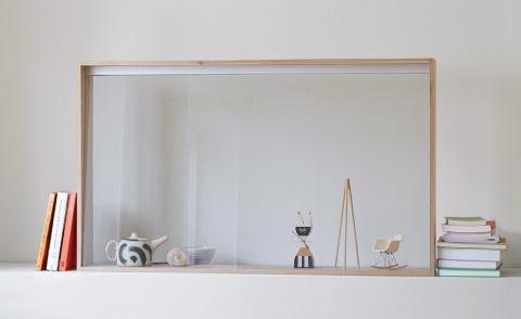 電源を入れていない時は、お気に入りの小物を飾るガラスケースとして使えるほど、インテリアに溶け込む