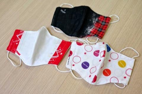 「BanG Dream!(バンドリ!)」のオリジナルグッズとして発売した布製マスク