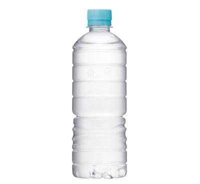 2018年からECで販売しているアサヒ飲料の「アサヒ おいしい水」天然水 ラベルレスボトル(写真提供/アサヒ飲料)