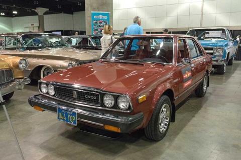 CVCCエンジン(低排ガスエンジン)を搭載したホンダ「アコード」(1979年型)。70年代に自動車メーカーが対応を迫られた米国の厳しい環境規制「マスキー法」に対し、ホンダは多大な労力をかけてCVCCエンジンを開発。ポーターらはイノベーションオフセットの好例として挙げる(写真/Shutterstock)