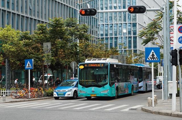 タクシーの7割、バスの大半がEVに! 日常の足が急変した深セン(画像)