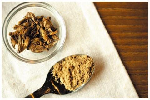 1食にコオロギ50匹分の粉末を使用