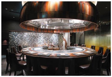 インバウンド需要も見込み、初めて鉄板焼きレストランを導入