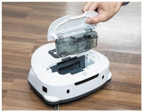 ダストボックスは片手で簡単に取り出せて、水洗いも可能