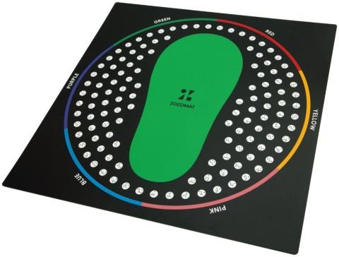 足を乗せてスマホで撮影 ミリ単位で計測する「ZOZOMAT」(画像)