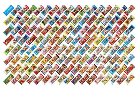 過去に販売したパッケージの数々。何種類、食べたことがあるだろうか