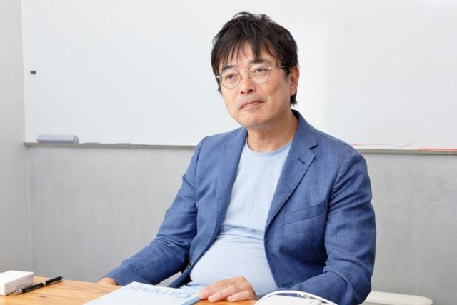 鹿毛康司 エステー 執行役エグゼクティブ・クリエイティブディレクター。早稲田大学商学部卒、ドレクセル大学MBA。食品会社を経て、03年にエステーへ。15年間にわたりコミュニケーション領域の責任者として活動。04年から動画コンテンツを活用、07年には「ツイッターの中の人」になるなど、ネットコミュニケーションをいち早く取り入れてきた。現在も独自サイト「エステーQ」の編集長を兼ねる