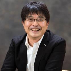 エステー執行役エグゼクティブ・クリエイティブディレクターの鹿毛康司氏