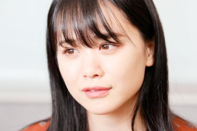 菅本裕子氏 1994年、福岡県生まれ。アイドルグループを脱退後ニート生活を送るも自己プロデュースを開始し「モテクリエイター」という新しい肩書を作り自ら起業。現在はタレント、モデル、SNSアドバイザー、インフルエンサー、YouTuberとして活躍中。10~20代女性を中心に自身のInstagramやYouTubeチャンネルで紹介するコスメが完売するなどその影響力は絶大。SNSのフォロワーの合計は120万人超。近著に『SNSで夢を叶える~ニートだった私の人生を変えた発信力の育て方~』