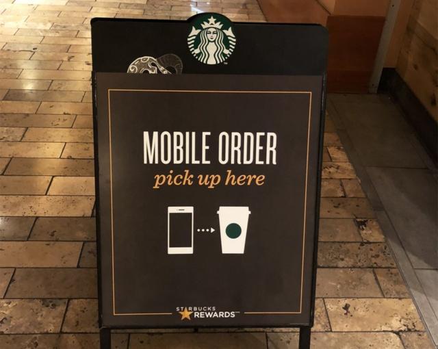 米コーヒーチェーンのスターバックスは2018年第1四半期時点で、プリペイドカードとモバイル注文を合わせた売り上げが占める比率は全店売り上げの37%に達している