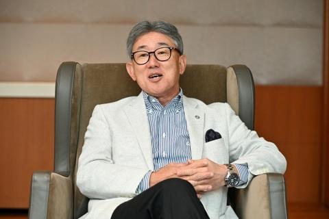 高岡社長は『花とアリス』の成功体験から、ショートムービーをクライアントの問題解決策として広める価値を感じたという