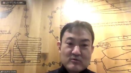 『アフターデジタル』の共同著書であるIT評論家の尾原和啓氏。オンライン会議のZoomを通してインタビューした