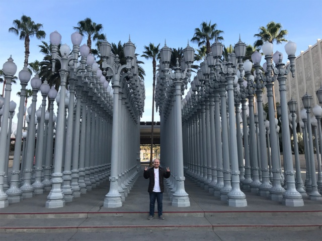 現代アートが数多く展示されているロサンゼルスカウンティー美術館は、定番のインスタ映えスポット