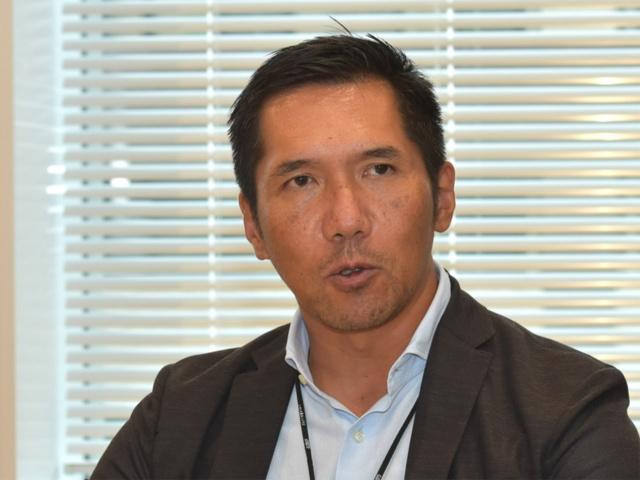 ゴルフダイジェスト・オンライン社長 石坂信也氏 1966年12月10日生まれ。成蹊大学卒。ハーバード大学MBA取得。三菱商事での勤務を経て独立。2000年5月にゴルフダイジェスト・オンラインを設立し、社長就任。04年東証マザーズを経て、15年9月に東証第一部に市場変更。 ゴルフポータルサイト「GDO」の月間訪問者数は722万人超、会員数は362万人を突破