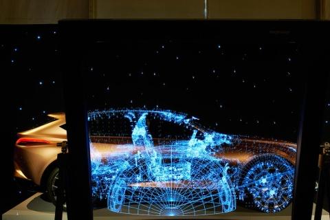 レクサスは3年目の参加。透明スクリーンで「LF-1」にAR(拡張現実)を映し出す仕掛け(写真/James Harris)