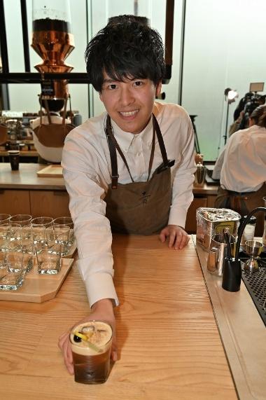 ロースタリー 東京限定の「カラカス レモン サワー」(税別1200円)。水出しコーヒーにレモン果汁、メープルシロップを加えている