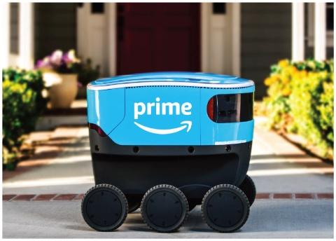 米アマゾンが発表したデリバリー・ロボット「スカウト」は、6つの車輪がついた小型サイズ(写真/amazon.com)