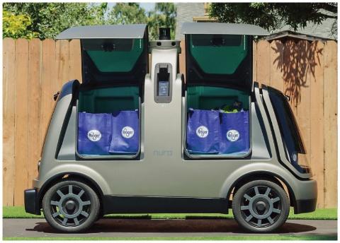 米ニューロのデリバリー・ロボットは、食料品などの複数の配達を1回の走行でこなす(写真/nuro.ai)